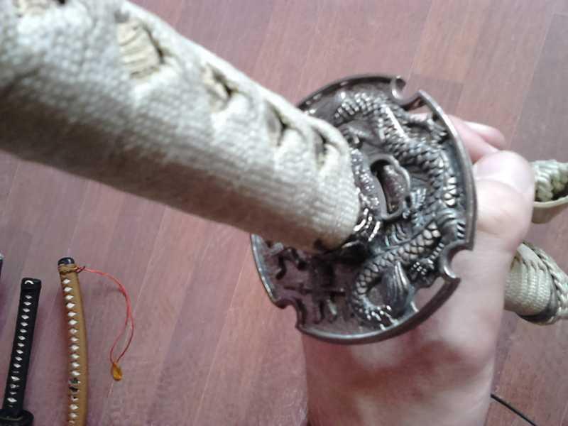 8)Катаны. Боевые и сувенирные образцы.